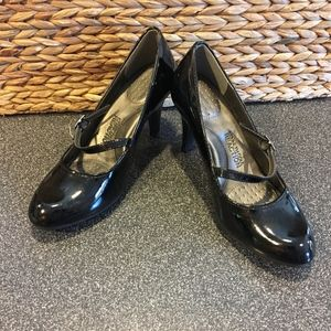 Kenneth Cole Reaction Black Patent Heels